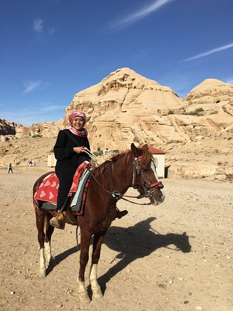 3 Day Tour from Amman: Jerash, Petra, Wadi Rum and Dead sea: first time ride the horse :)