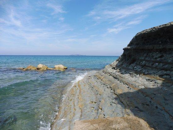 Loggas Beach: ausgespült und abgetragen
