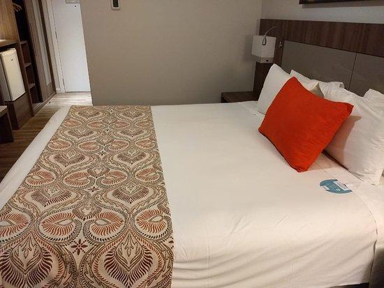 Hotel Deville Prime Campo Grande: Enormeee... Apto 906