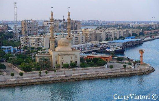 Tawfiq - Moschee, eine ägyptische Moschee und Hafen an der Stadt von Tawfiq, Ägypten am südlichen Ende des Suezkanals.