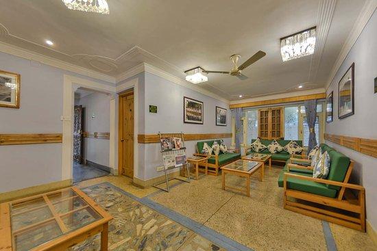 Interior - Picture of OYO 12201 Shuhul Resorts, Srinagar - Tripadvisor