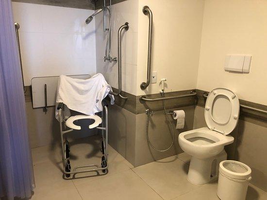 Banheiro quarto PNE