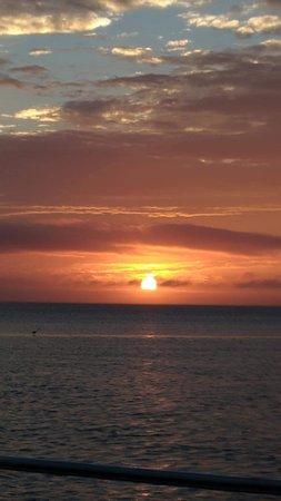 Ka Motion Sailing Adventure: sunset