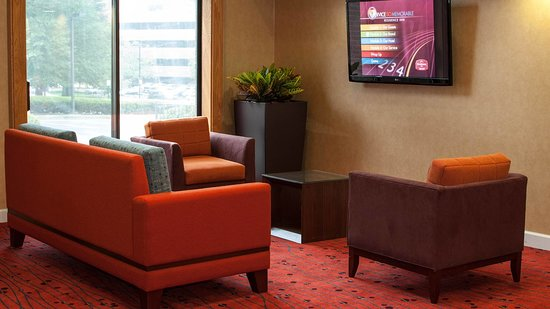 Hawthorn Suites by Wyndham Vienna/Tysons Corner: Different room styles to choose - Studios and Suites