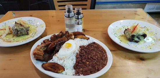 Tardes Caleñas Kendall: dinner for 3