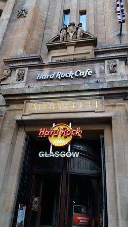 Hard Rock Cafe: Outside