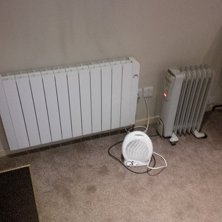 Best Western Priory Hotel: 3 heaters, one not working
