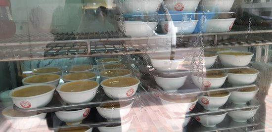 Yee Shun Dairy Company (Pilkem Street): Maybe try take out to avoid their awful service