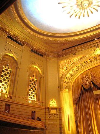 War Memorial Opera House: Exquisite