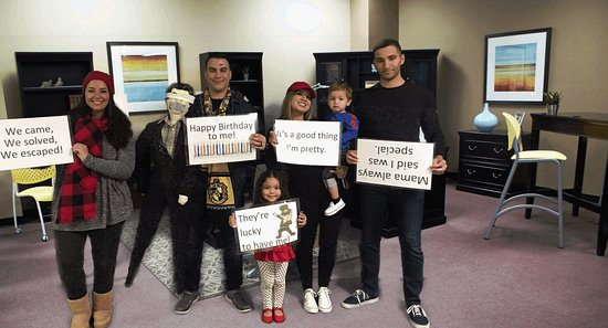 Think in a Box - an Escape Room: The boss is saved!