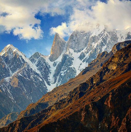 Lady Finger is a unique Conical Shape mountain in Karakorum Ranges. Located in the heart of Hunza Valley, the peak is a major attraction to the nature lovers.