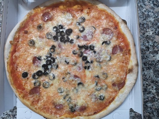 Ussana, Italië: Pizza of city
