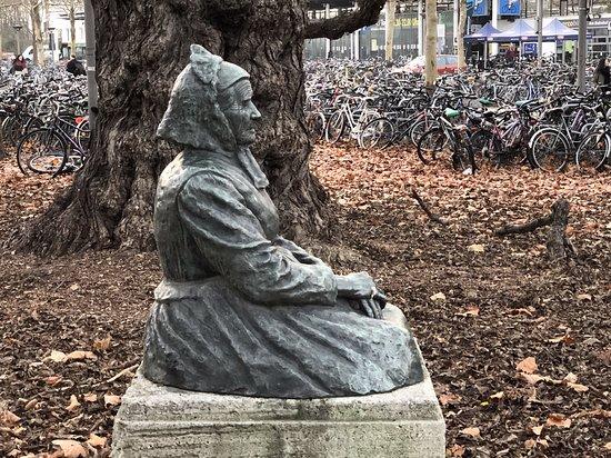 Denkmal fur Charlotte Muller