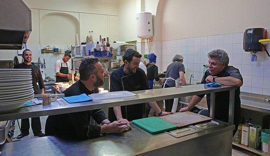 Bistrot Arni: Ένα εξαιρετικό διήμερο με τον κορυφαίο chef Λευτέρη Λαζάρου!Τιμή μας που μαγείρεψε για το Bistrot ΑΡΝΗ!