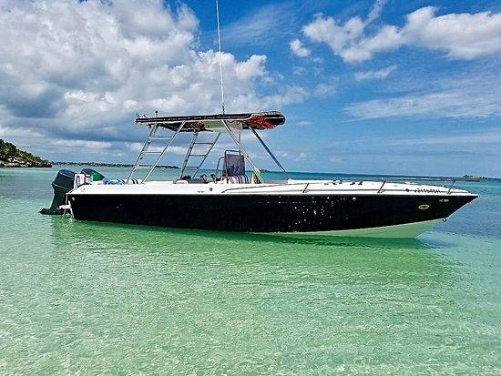 Jolly Harbour, Antigua: Sugar Island Tours Boat