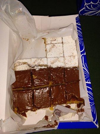 Confiteria San Blas: Caja de Magdalenas de chocolate y de azúcar