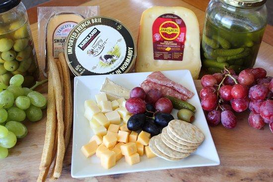 Waikoloa Restaurant and Bar: Cheese Platter