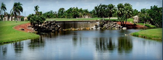 Weston, FL: Golf Course, signature waterfall hole