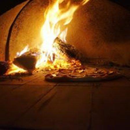 Hixon, UK: Wood fired pizza