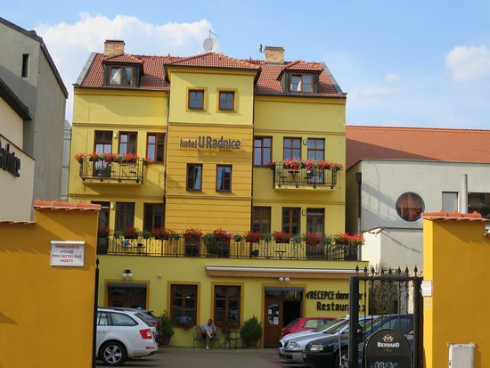 Louny, Czech Republic: Hotel U Radnice - restaurace je o patro níž, v suterénu