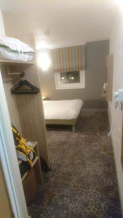 Ibis Styles London Excel: Refurbished room
