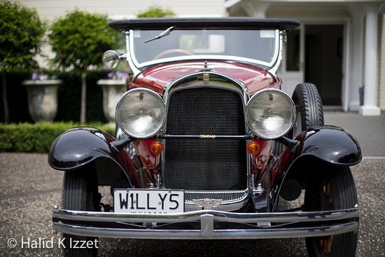 """Half-Day Vintage Car Tour with Food Platter Up To 4 Passengers: Willy's Whippet """"Betsy"""""""