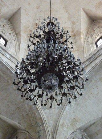 Taxi Nacho Cuba: Catedral de San Cristobal Chandelier