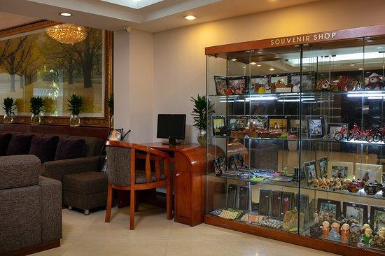 Souvenir Shop- Lobby