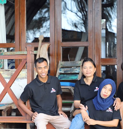 Our friendly Lombok staff