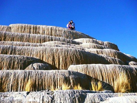 Huancaraylla Tours Peru