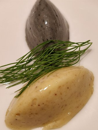 White and black truffle butter
