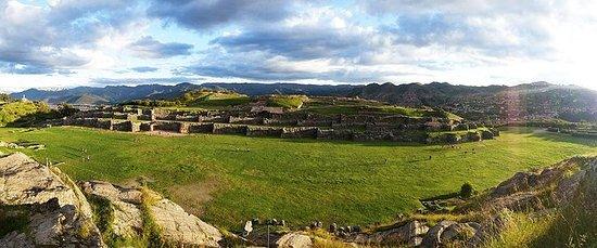 Tour a pie al sitio arqueológico de...