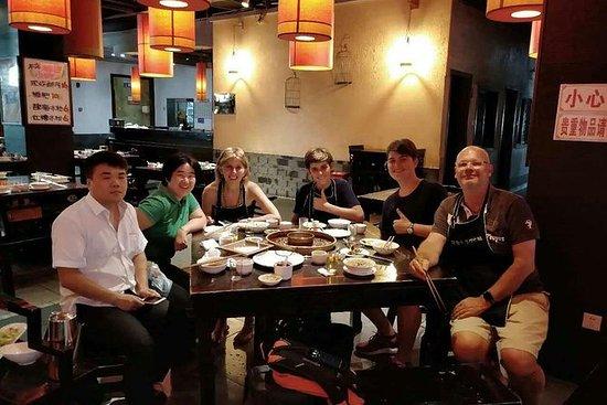 Sichuan Hotpot Middag pluss...