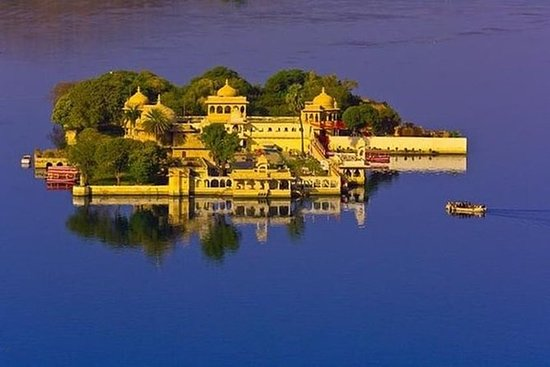 Explore Jagmandir Island Udaipur with...