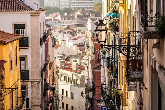 Off the beaten path tour of Mouraria with a Lisbon local: Lisbon off the beaten path: discover Mouraria with a Local