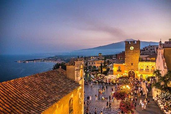 Taormina Sunset Walking Tour med...