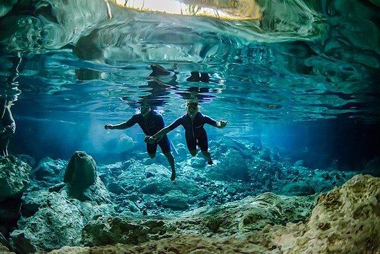 Excursão privada ao Cenote Dos Ojos...