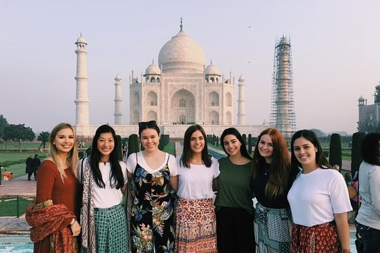 Private One Day Small-Group Taj Mahal...