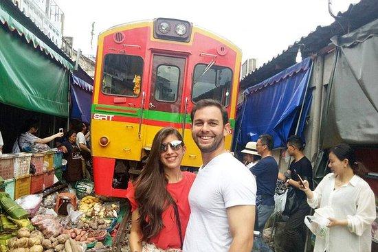 Private Excursion to MaeKlong railway...