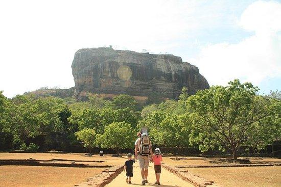 Sigiriya Rock Forteresse et grottes...