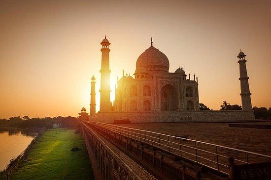 Taj Mahal Soloppgang Samme dag med bil