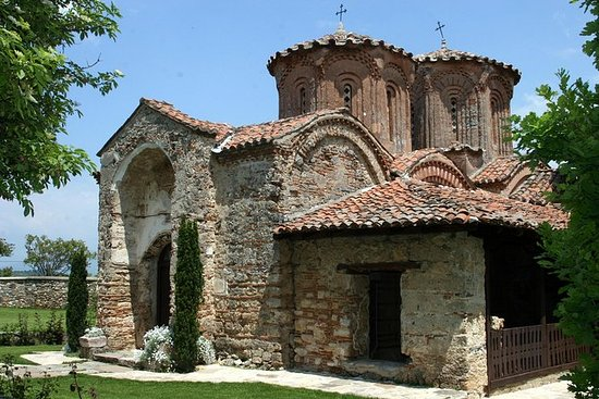 Visita a los monasterios y cascadas...