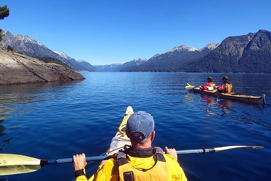 Full Day Kayaking Adventure su misura