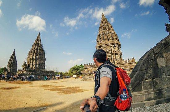 ジョグジャカルタからのボロブドゥール&プラムナン寺院ツアー