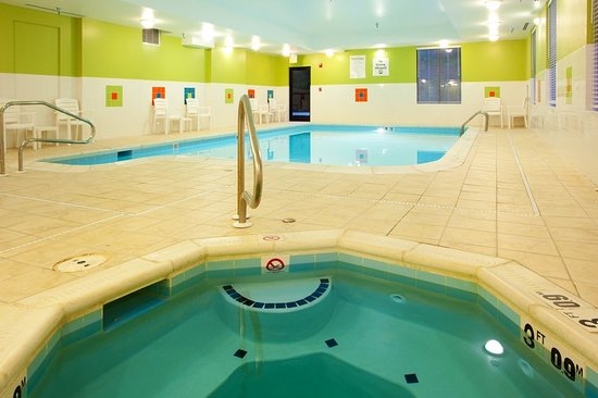 Holiday Inn Express Hotel & Suites Thornburg-S. Fredericksburg: Pool