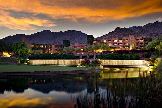 Loews Ventana Canyon Resort: Exterior