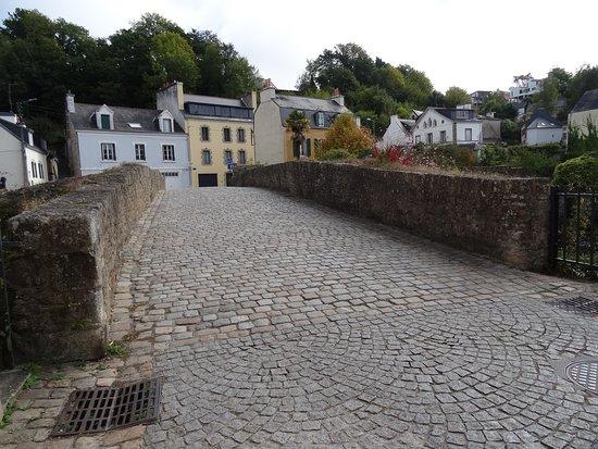 Quimperle, Fransa: Le Pont Lovignon ou Pont Fleuri