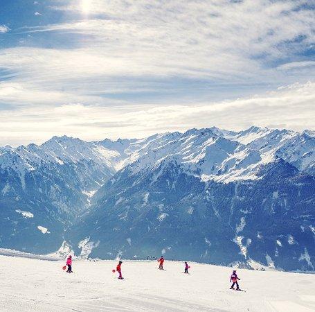 Ski & Snowboard School Ski Gudauri