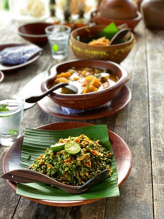 We created three dishes, of our choice, a sambal and a dessert. I chose a full vegetarian menu and the team are flexible about amending dishes.
