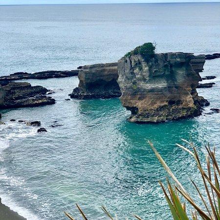 Pancake Rocks and Blowholes Walk